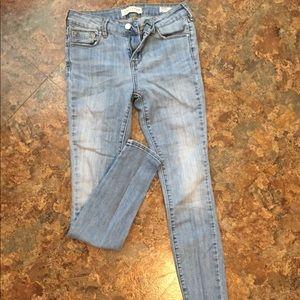Bullhead - mid rise skinny jeans
